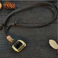 fd4cefea79 Ragyogj.hu Valódi bőr nyaklánc, négyszög alakú fémmedállal, fekete bőrrel